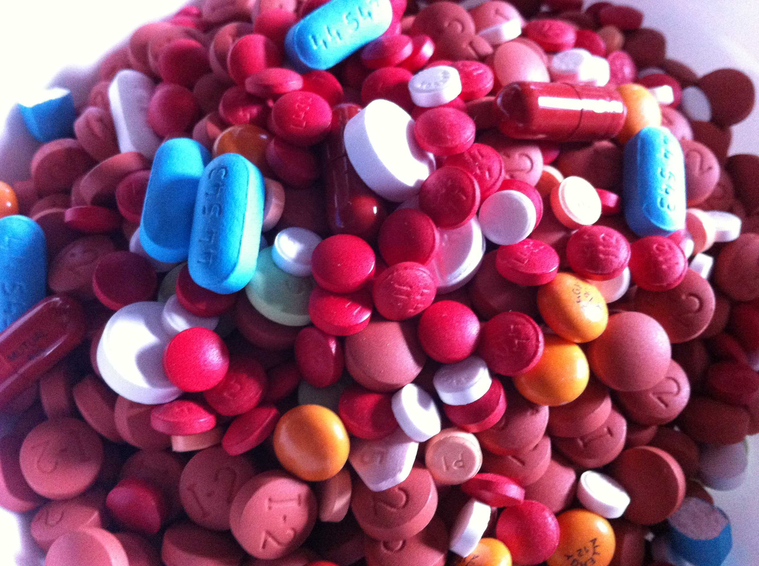 Assorted_Pills_2